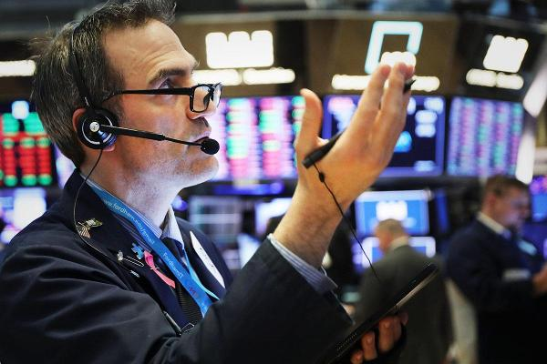 Stocks End Higher on Target and Lowe's Earnings; Yield Curve Concerns Persist