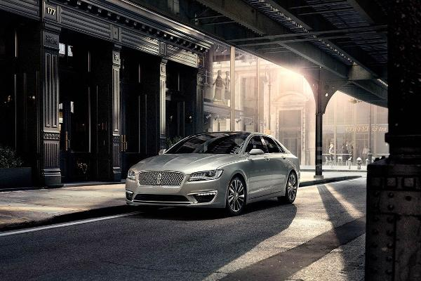 High-MPG Cars: 2014 Lincoln MKZ Hybrid