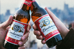 Anheuser-Busch InBev Slides Amid Cancellation of Its $9.8 Billion Asia IPO