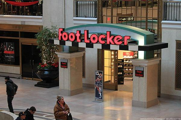 Foot Locker Gets Shredded and It's Pretty Obvious Why -- Jim Cramer Looks at the Damage