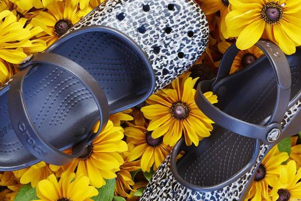 Crocs Treads Higher on Stronger-Than-Expected Earnings, Revenue Outlook