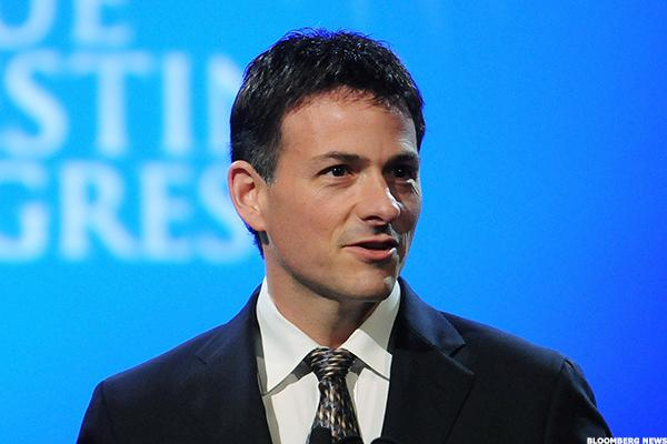 Billionaire David Einhorn Just Bought These 4 Stocks
