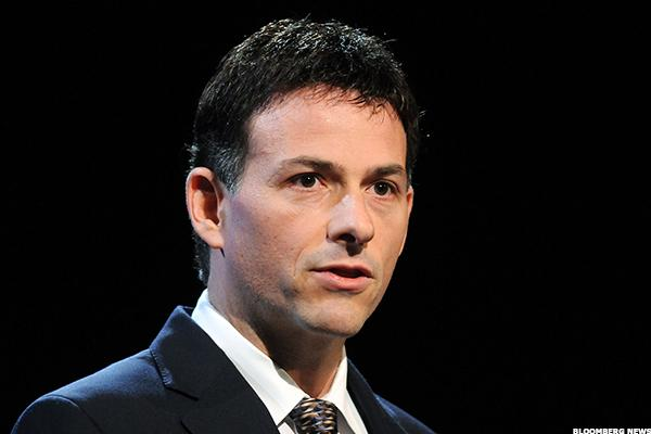David Einhorn's 'Bubble Basket' Shorts Against Amazon, Tesla Have Him Frustrated