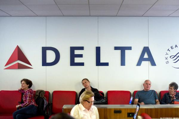Delta Air Lines (DAL) Stock Higher, Considers $2.3 Billion Regional Jet Purchase