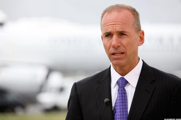 Boeing CEO Muilenburg, Trump Work to Bring Down the Cost of the Air Force One Contract