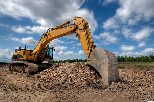 How's Caterpillar Doing? Check These 2 Companies' Results