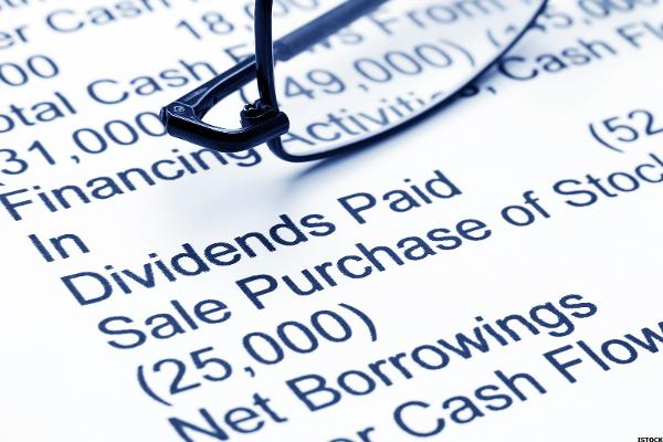 Dive Safely Into These 12 Dividend Payers