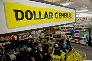 4 Reasons Behind the Monster Year for Dollar Store Stocks