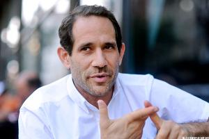 Charney Has 'Mild Interest' in American Apparel, Which Goes on the Block