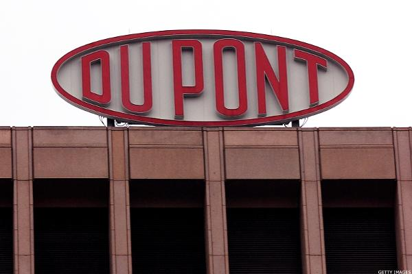 Dow-DuPont Merger Talks Show Willingness to Risk Regulator Backlash