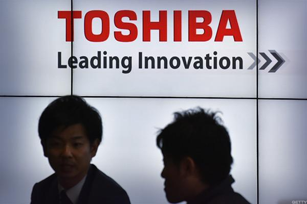 For Both Apple and Broadcom, Toshiba's Flash Memory Unit Brings Rewards and Risks