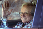 What Billionaire Investor Warren Buffett Can Teach You About Retirement