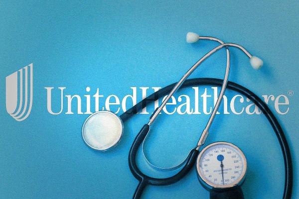 UnitedHealth Group Charts Appear Toppy Ahead of Earnings