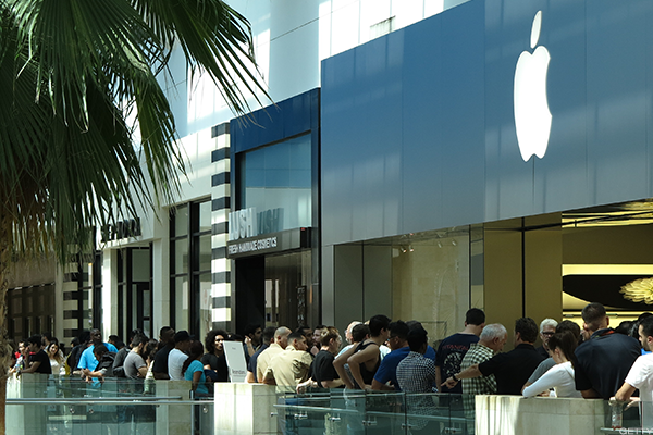 Apple Has Triggered This Major Phenomenon That Is Preventing Many Malls From Dying $AAPL