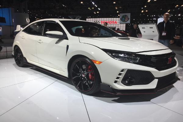 Honda Has Finally Brought This Extreme Civic With Face-Ripping Speed to the U.S.