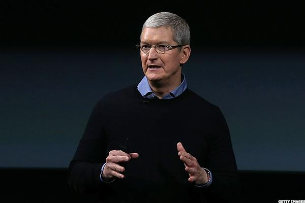 Apple CEO Tim Cook at MIT: Sometimes Technology Is 'Part of the Problem'