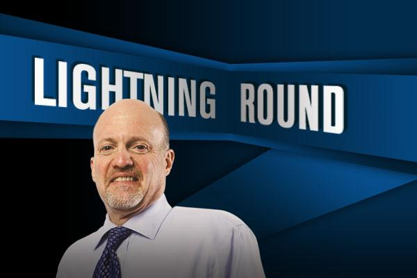 'Mad Money Lightning Round: Buy, Buy, Buy Western Digital