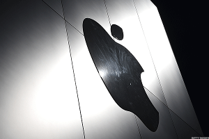 U.S. Government Sent Apple a Secret National Security Letter Requesting More Data