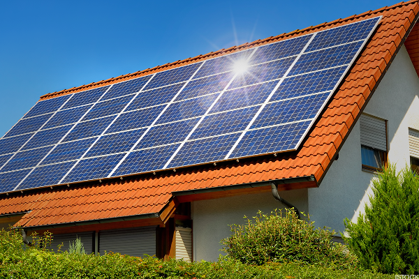 Trade Officials Offer Support for Domestic Solar Energy Firms With New Tariffs