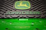 John Deere Stock Looks Ready for a Breakout