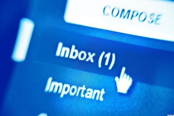 Got an Email Marked 'Urgent' From the Boss? Think Twice Before Responding too Quickly