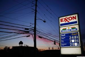Exxon (XOM) Stock Slides as Oil Prices Continue Retreat