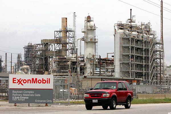 Exxon (XOM) Stock Climbs on Higher Oil Prices