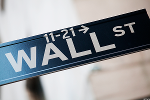 Wall Street Closes in Negative Territory as Financial, Energy Sectors Lead Decline
