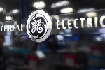 GE Falls as Moody's Changes Outlook While Shareholders Gather