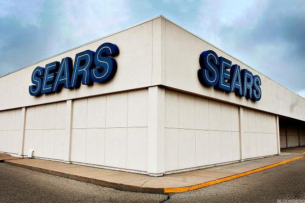 Sears Gears Up to Open Smaller Stores to Win Back Customers