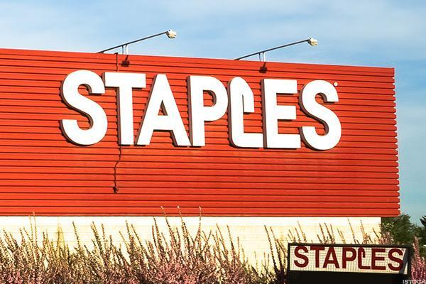 A Private Equity Firm Just Spent $6.9 Billion to Buy Struggling Staples
