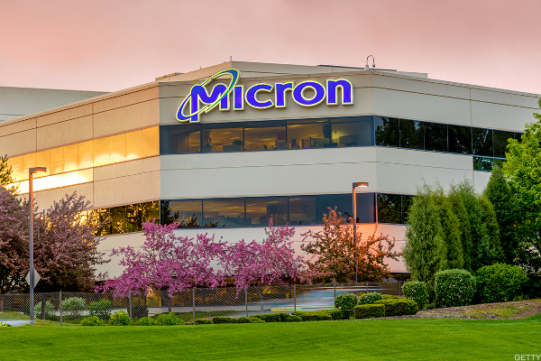 Jim Cramer: For Micron, Call Me a Believer