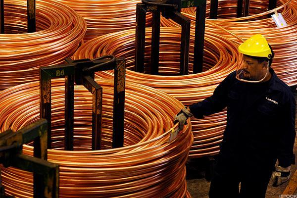 Southern Copper Investors Have a Reason to Be Bullish Going Into Earnings: Chart