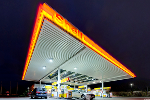Shell Boosts Cash Flow Forecasts, Scraps Script Dividend as Oil Prices Stabilize