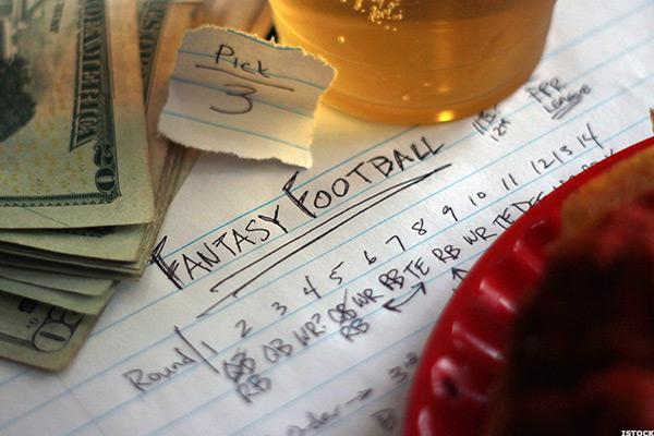 Fantasy Football and Picking Stocks: Cramer's 'Mad Money' Recap (Tues 8/15/17)