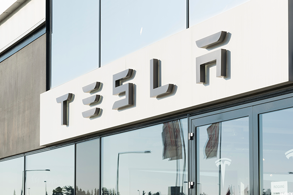 Tesla Vote Favoring a SolarCity Merger Won't Stop Likely Political Headwinds