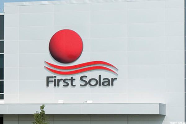 First Solar (FSLR) Stock Slips, Downgraded at Deutsche Bank