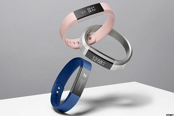 Fitbit's Latest Strategy Is Straight Out of Apple's Playbook
