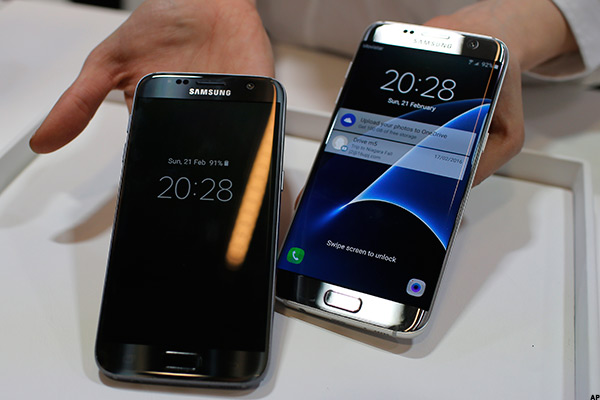 Here's One Key Area Where the iPhone 6s Still Dominates the Samsung Galaxy S7