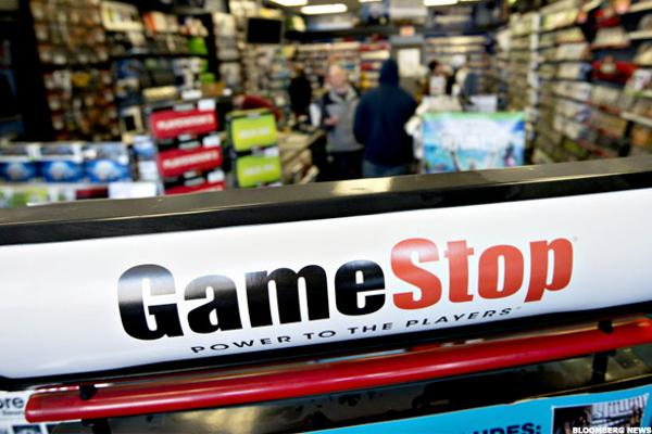 GameStop Stock Tumbling as Sales Dip, Stores Close