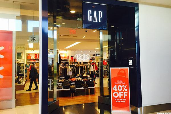 This Mall CEO Thinks Gap and Abercrombie Need to Close a Ton More Stores