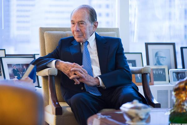 Court Rules Against Former AIG CEO in Lawsuit Over '08 Bailout