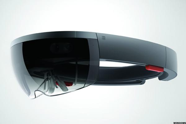 As Microsoft Takes Its Time With HoloLens, Apple and Others Have an Opportunity