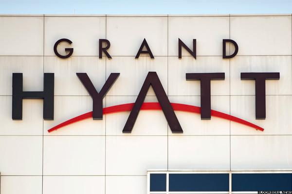 Hyatt Hotels Stock Falls as Goldman Sells Large Stake