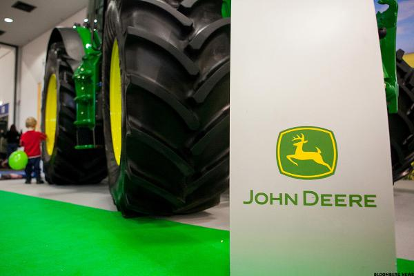 Deere Declares 60 Cent Quarterly Dividend