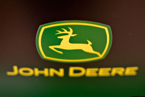 Deere (DE) Stock Falling, Downgraded at Piper Jaffray
