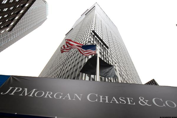 Buy JPMorgan's Stock Ahead of Earnings Report
