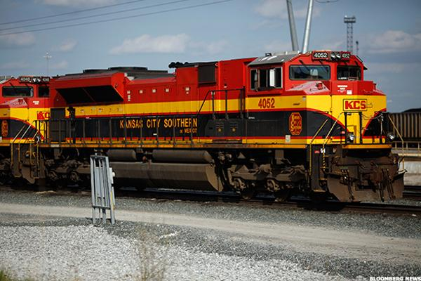 Railroad Stocks Lead Rally Among Transports