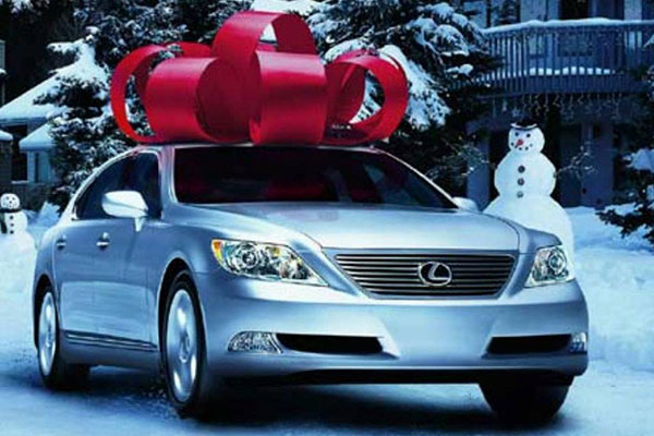 Best Buy Used Cars >> 6 Luxury Car Brands Gifting Buyers a Holiday Discount ...
