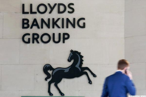 Lloyds Shares Plunge After Goldman Sachs Downgrades to Sell